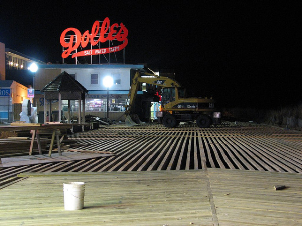 rehoboth beach timber boardwalk stringers and planks resized 600