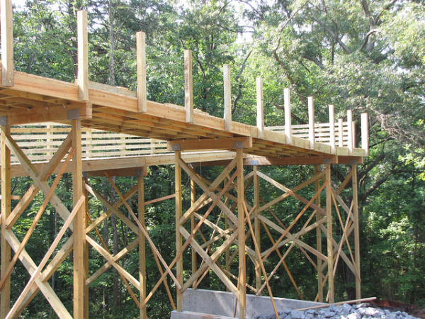 timber boardwalk headers and stringers underside resized 600