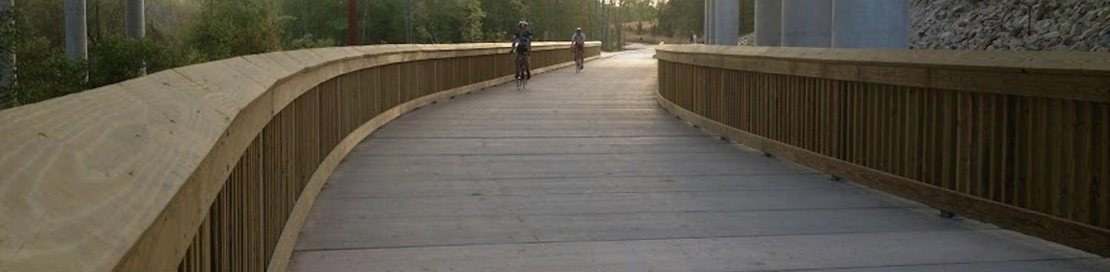Glastonbury_Multi_Use_Path_Cyclists.jpg