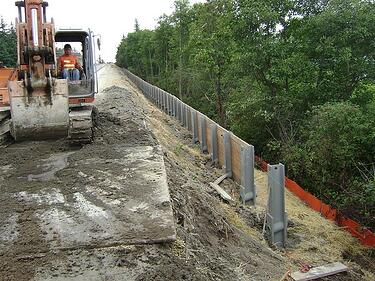 retaining_wall_and_sidewalk