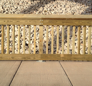 Timber_railing_on_permatrak_boardwalk_-400